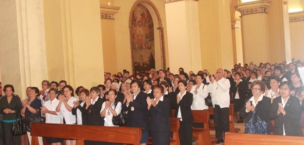 400 laicos son nuevos Ministros Extraordinarios de la Comunión