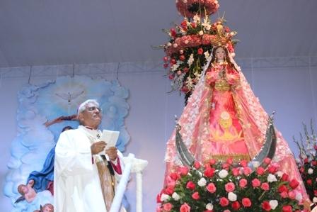 """Homilía del Arzobispo en Misa con la """"Mamita"""""""