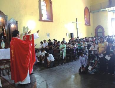 Chepén: Arzobispo confirmó a 240 jóvenes