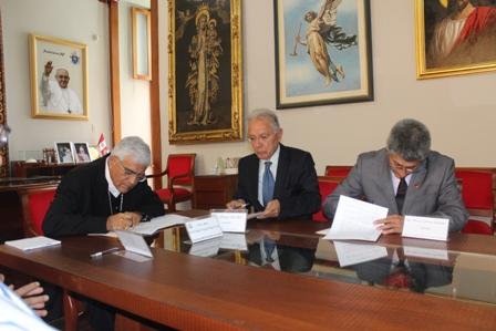 Arzobispado firma convenio de apoyo con el CIP