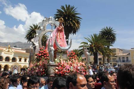 Virgen de la Puerta fue entronizada en Huánuco