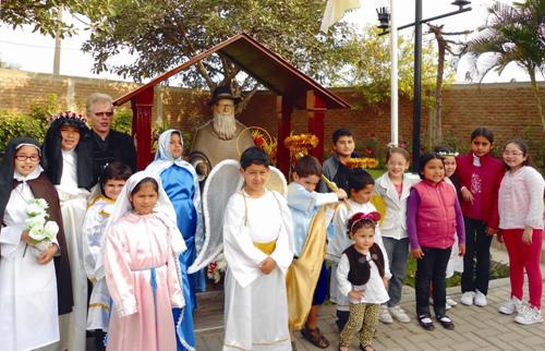 """""""Fiesta de santos"""" en vez de Halloween"""