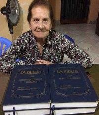 En Puerto Malabrigo: feligrés  trascribió libros de la Biblia a mano