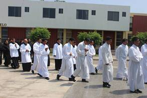 Domingo 17 abril: Oración y colecta por las Vocaciones