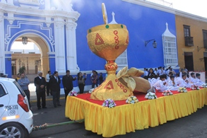 "Miles de escolares anunciaron fiesta del Corpus Christi"""