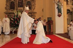 Iglesia trujillana cuenta con un nuevo sacerdote y dos diáconos