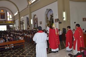 Chepén: 150 Jóvenes  fueron Confirmados por el Arzobispo.