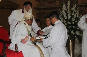 Seminaristas recibirán albas y sotanas de manos del Arzobispo