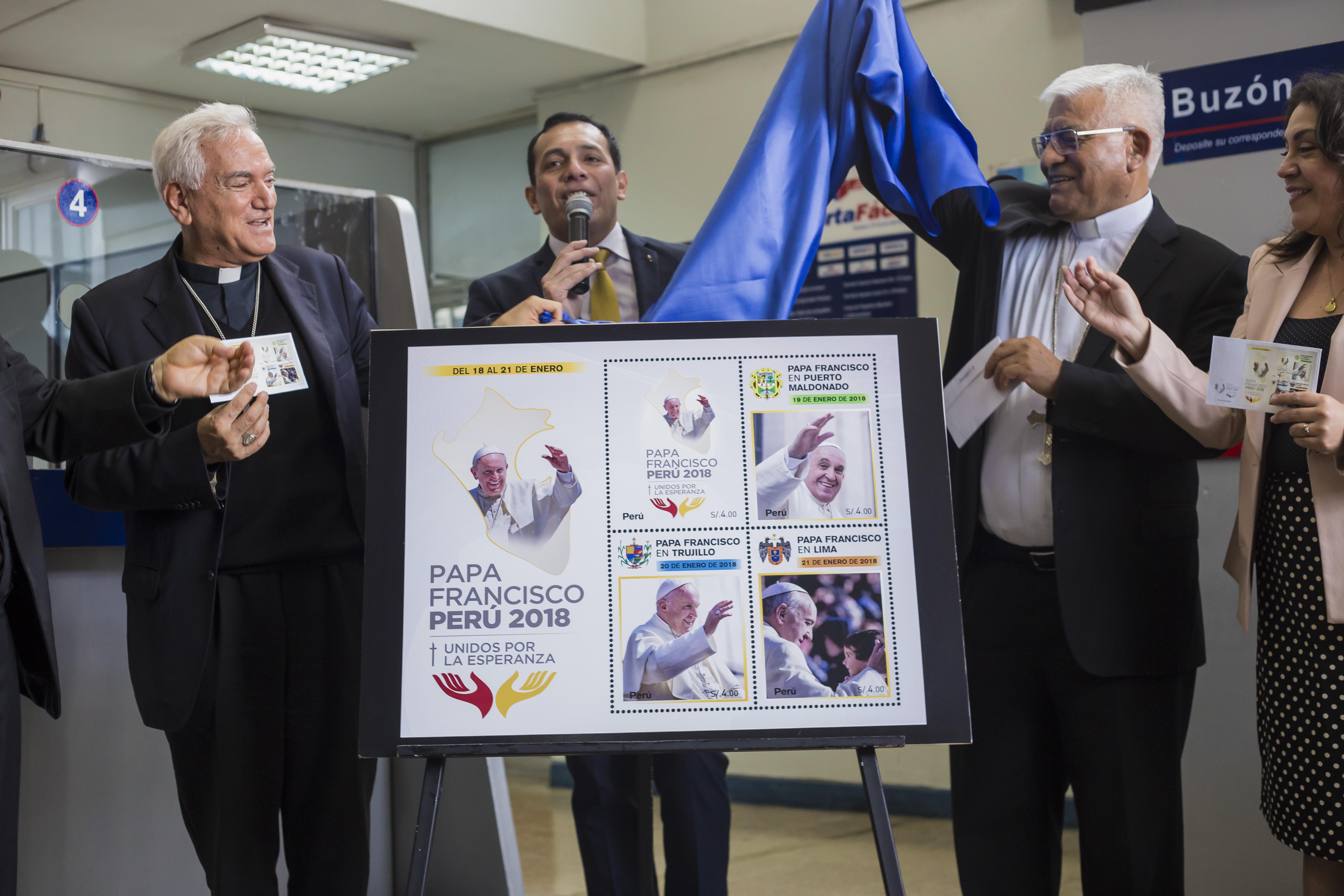 Conferencia Episcopal Peruana y Serpost presentan postal y estampillas conmemorativas por visita del Papa