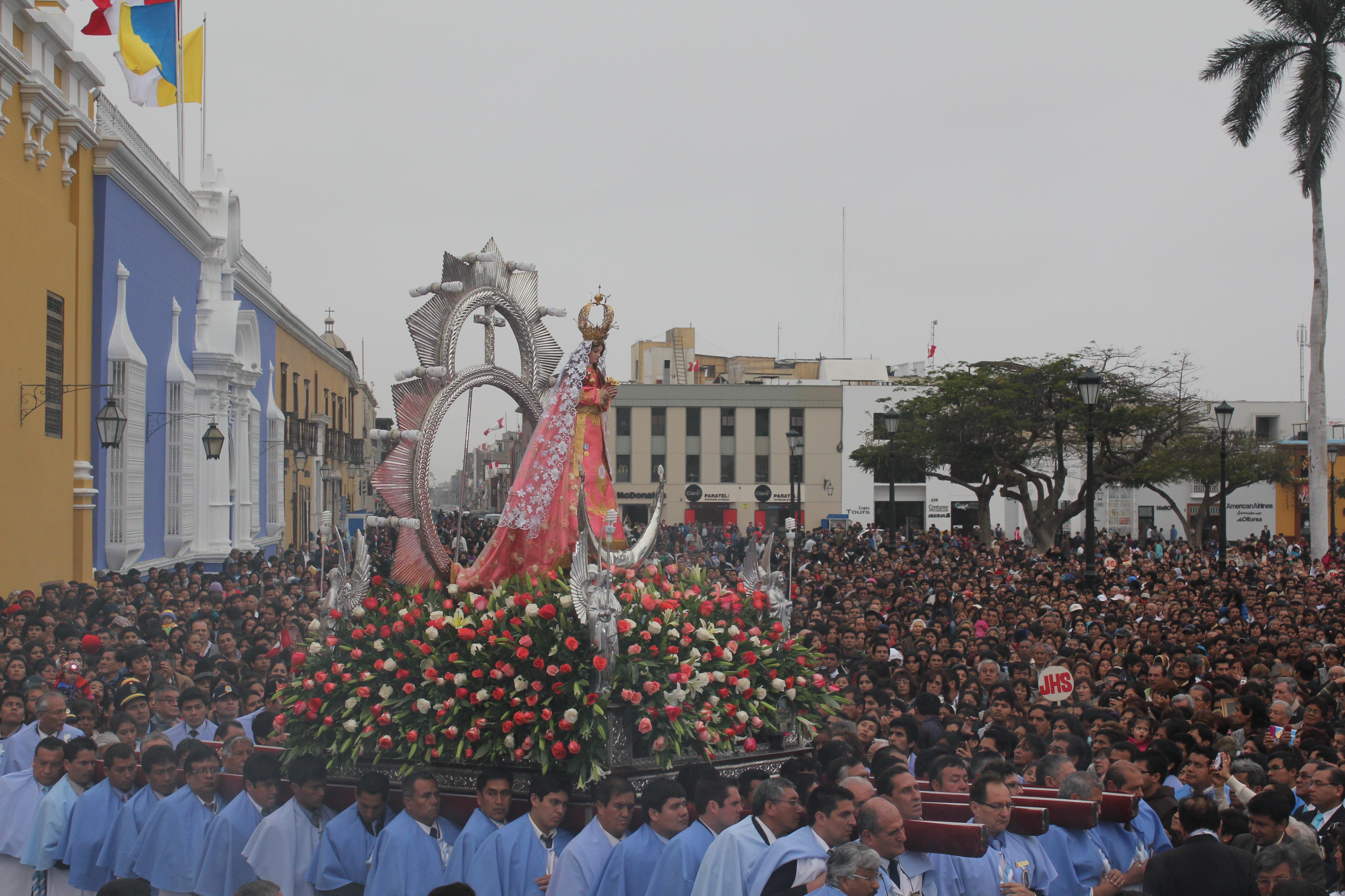 El Papa Francisco emocionado por coronación a la Virgen de la Puerta de Otuzco