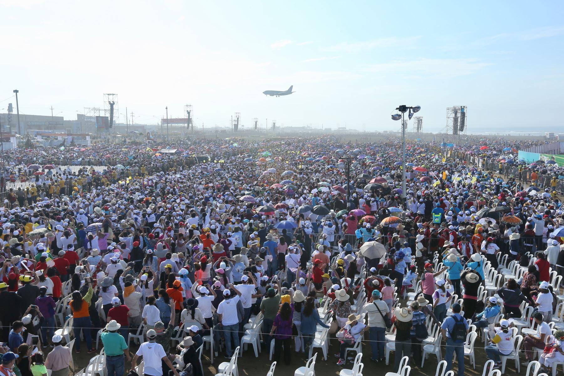 Más de un millón y medio de fieles  acompañaron al Papa Francisco, en Trujillo