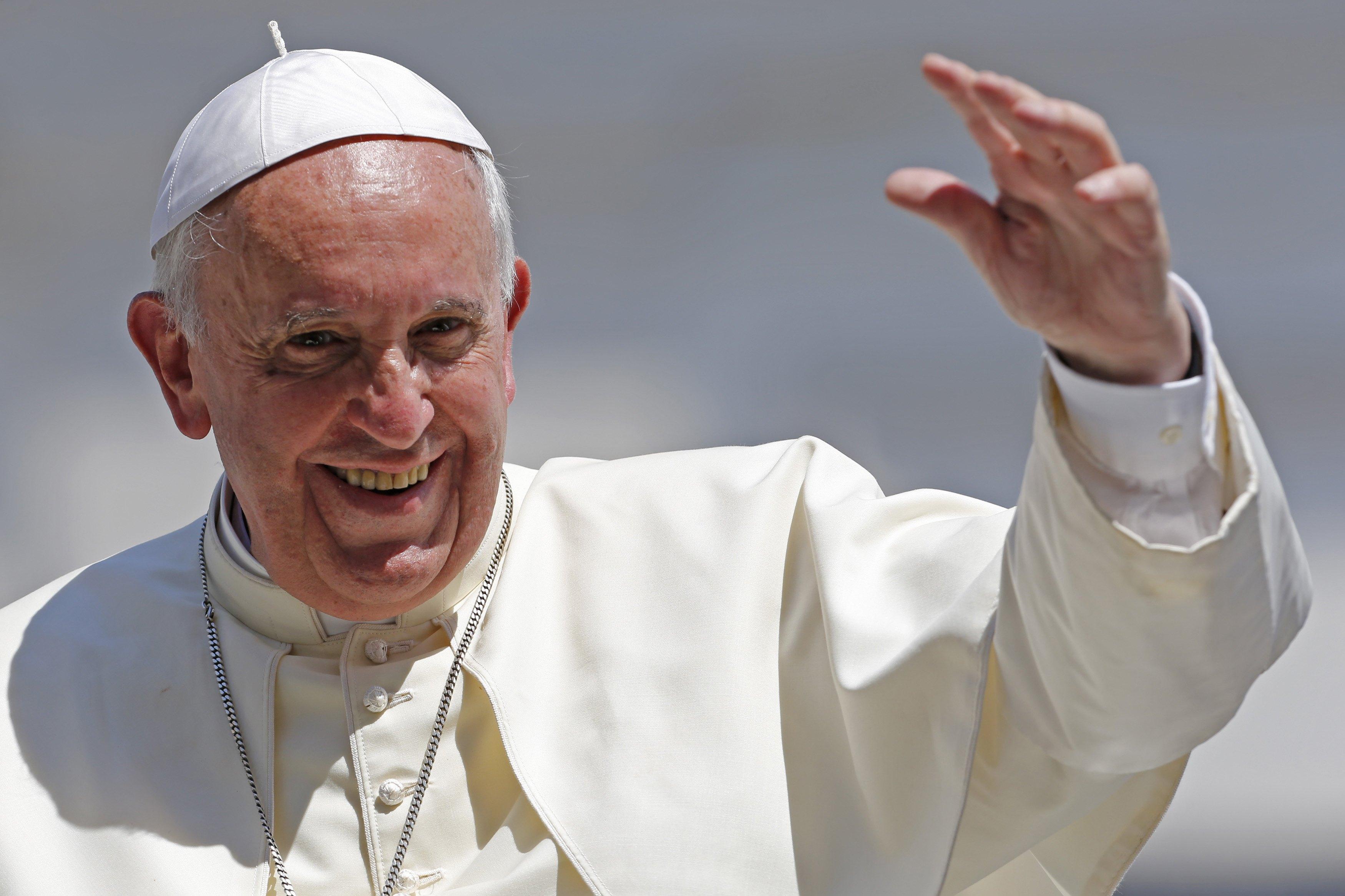 El Papa Francisco viene para juntos alabar al Señor