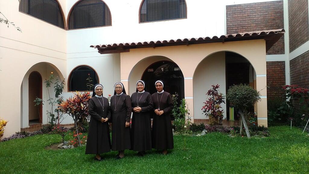 """Misa de Apertura y 99° Aniversario de madres """"Canonesas de la Cruz"""""""