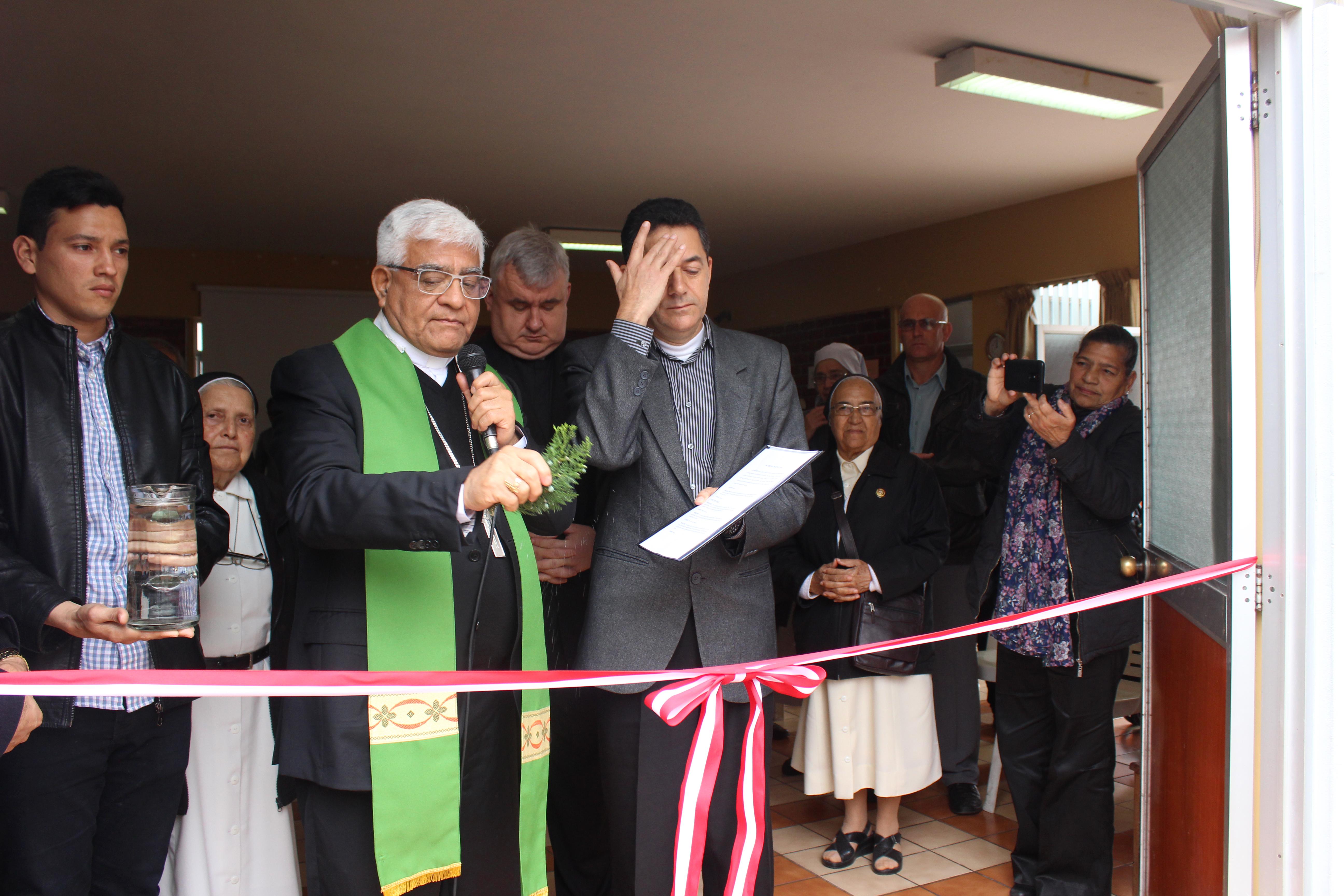 Lima: Mons. Miguel Cabrejos, Presidente de la CEP, inaugura Casa de Acogida al Migrante