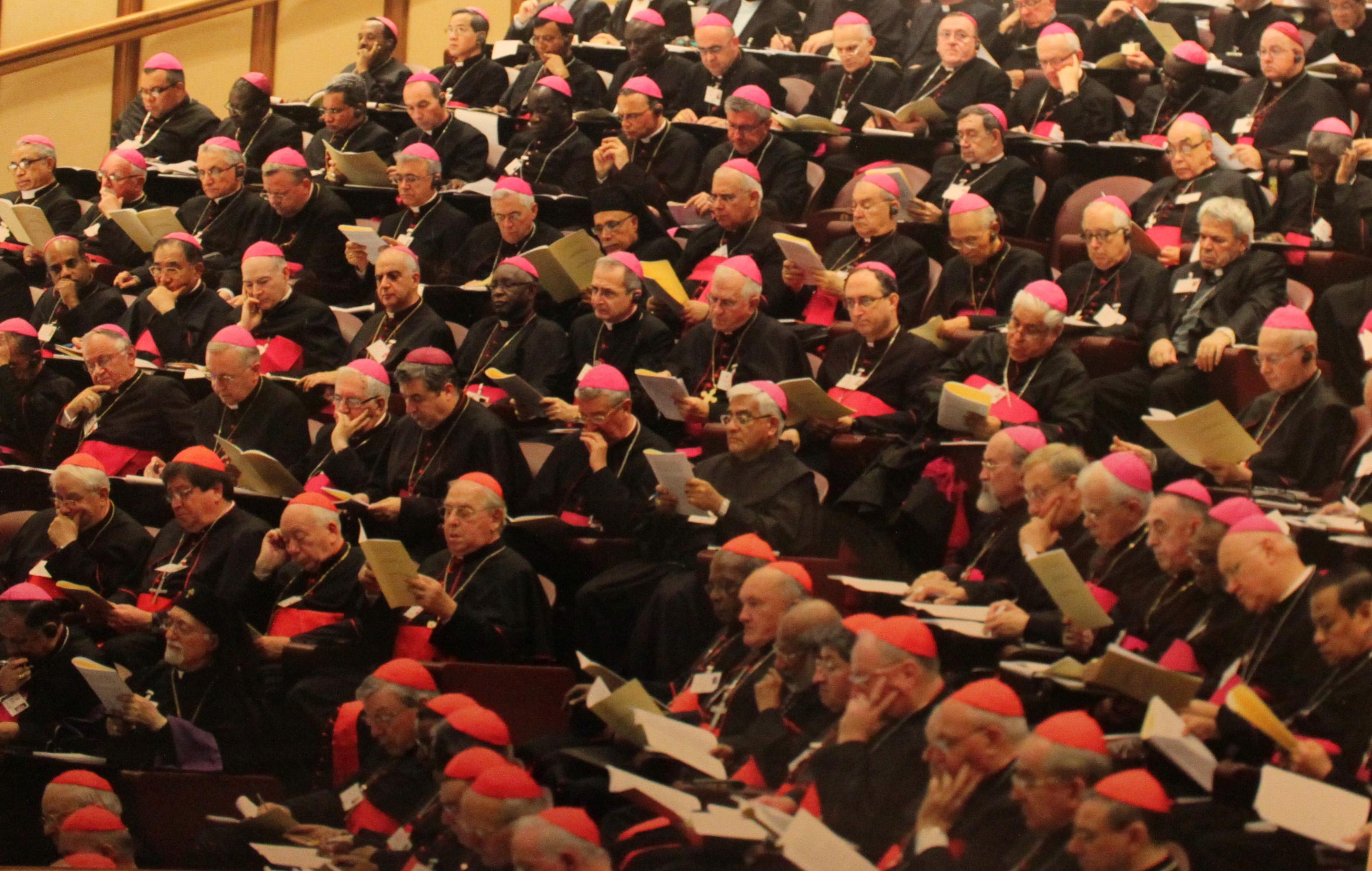 El Vaticano: Se da inicio al Sínodo de los Obispos con presencia del Arzobispo de Trujillo