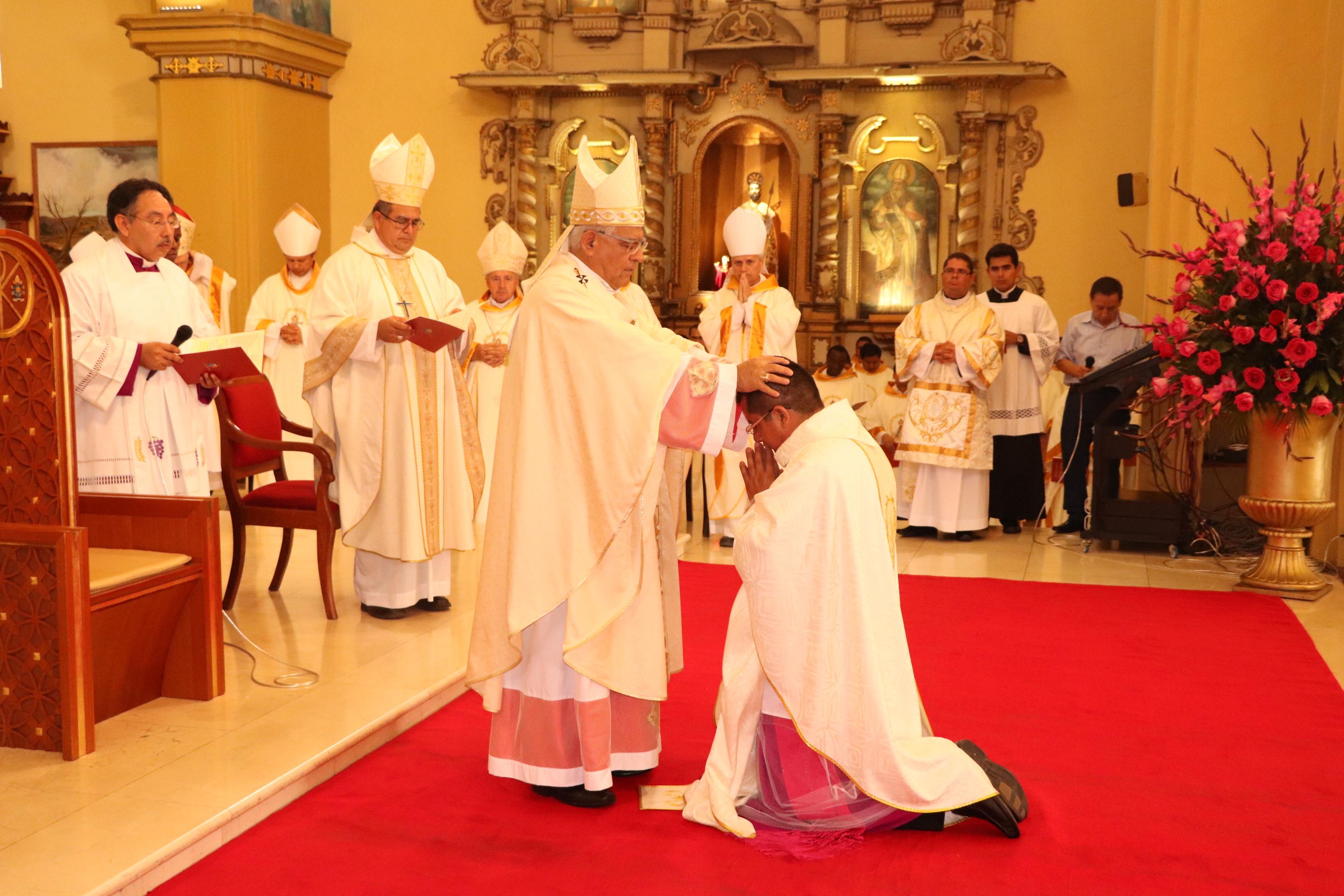 Obispo Auxiliar de Trujillo recibió el Orden Episcopal
