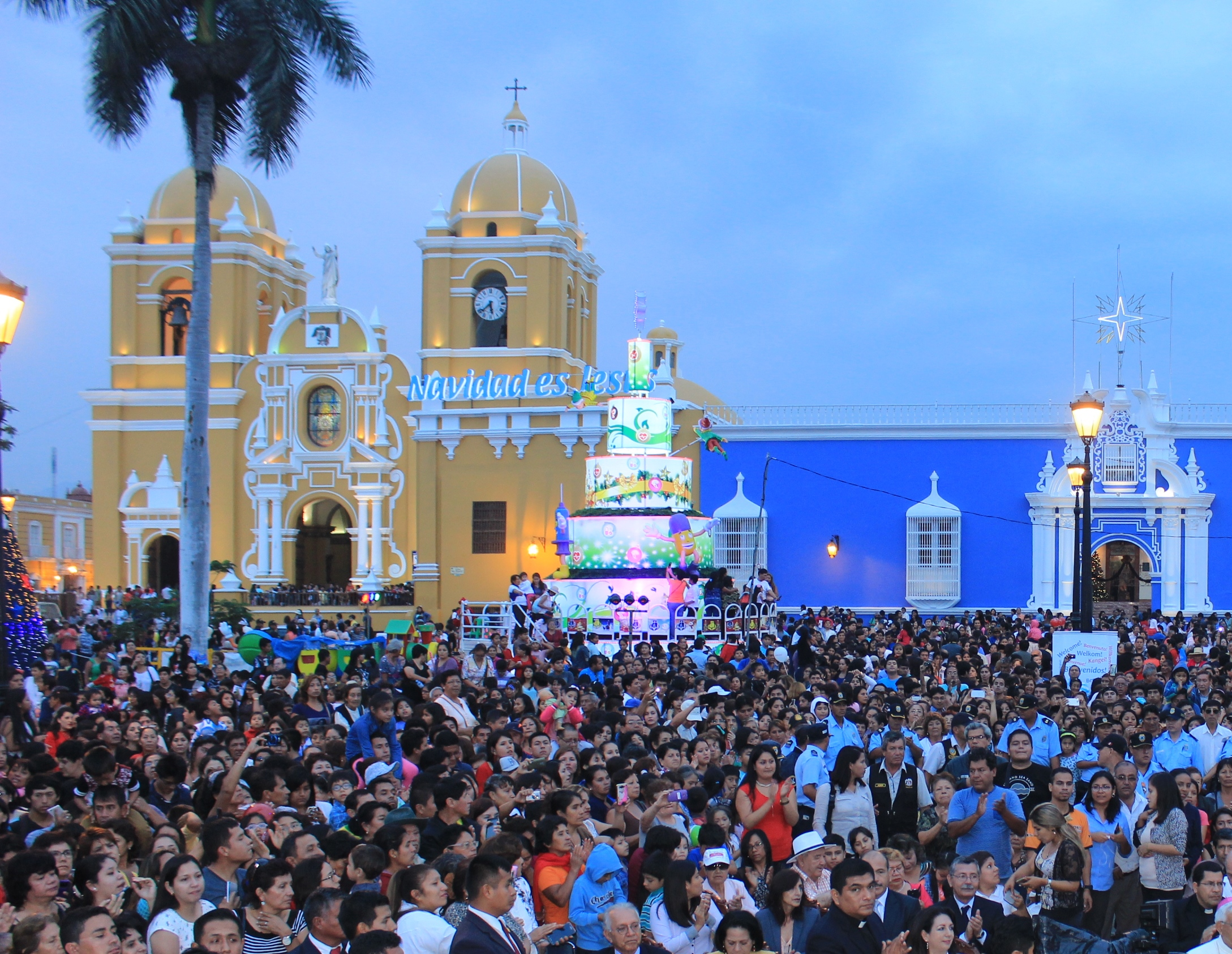 Festival Navideño de Luces y Colores retorna a la Plaza de Armas de Trujillo