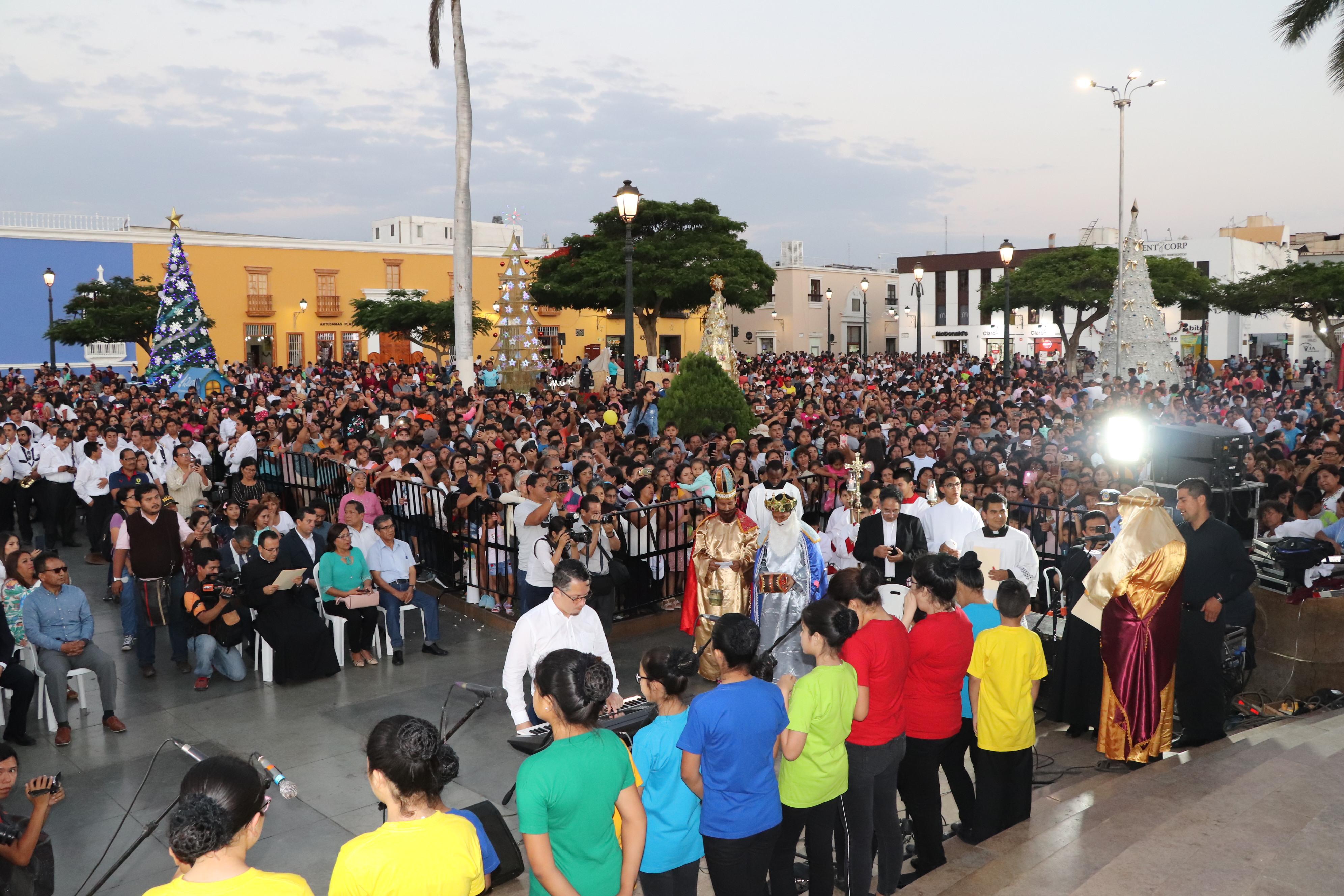 Se clausuró el Festival Navideño de  Luces y Colores, en la Plaza de Armas