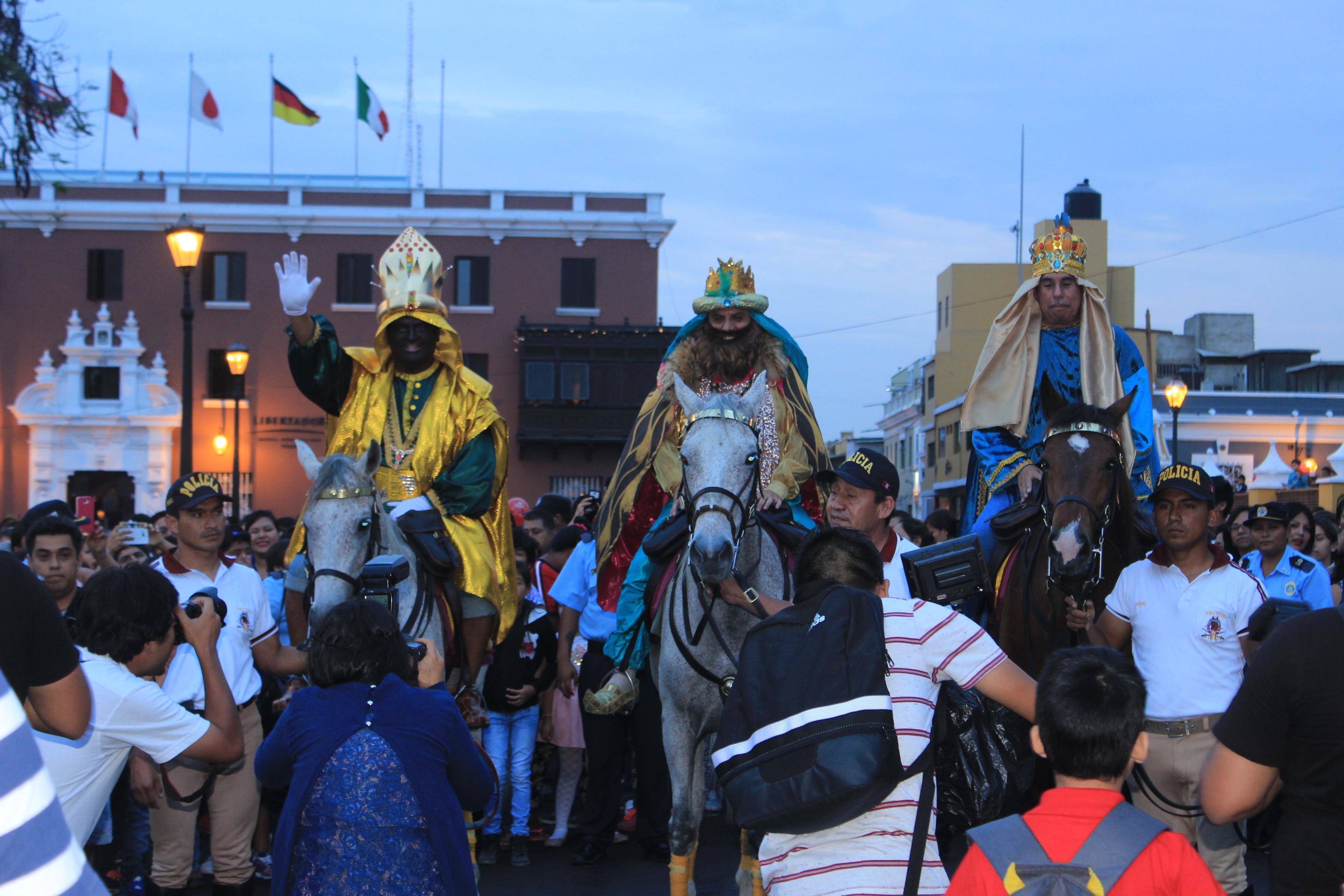 """Con los """"Reyes Magos"""", Trujillo clausura este lunes el Festival Navideño Luces y Colores"""