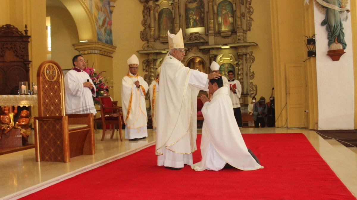 Obispo Auxiliar, Mons. Francisco Castro, recibió la Consagración Episcopal