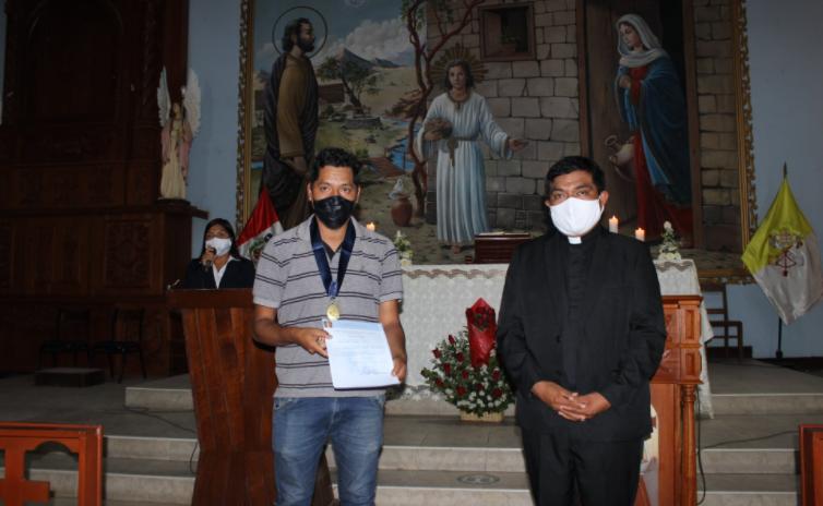 La Esperanza: Parroquia rinde homenaje póstumo a fieles fallecidos por Covid-19